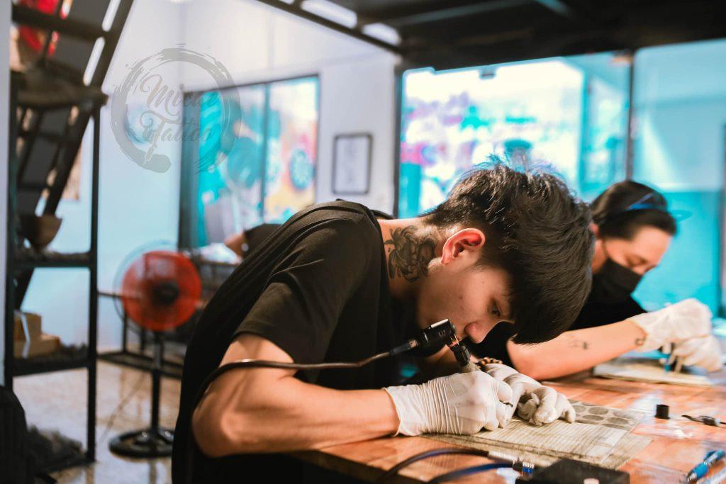 Học viên khi đến tham gia khóa học tại Tphcm - Micae tattoo